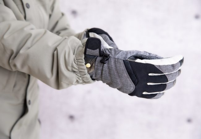 Finding The Best Snowboard Gloves & Mittens in 2020 – An In-Depth Buyer's Guide